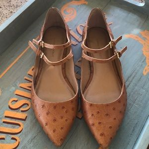 Banana Republic brown leather Mary Janes.